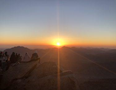 Răsărit pe Muntele Sinai_Aprilie 2021